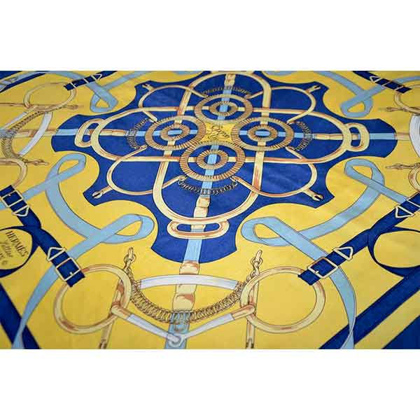 Hermes-Eperon-d-Or-large-silk-scarf-02