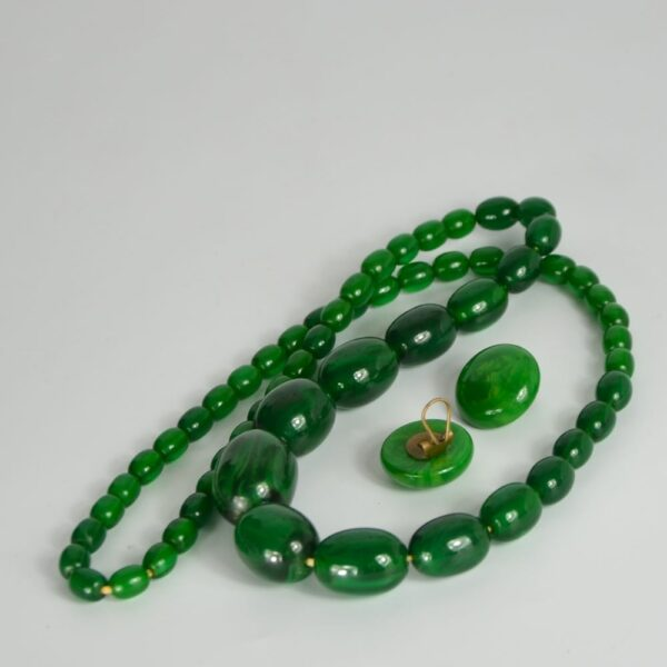 green bakelite necklace earrings divine style french antiques