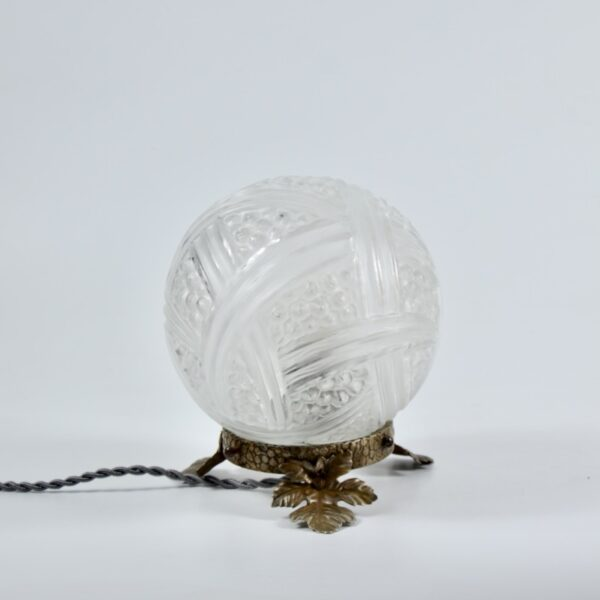 Verlys Les Hanots Art Deco Globe Lamp divine style french antiques 1