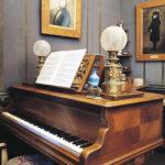 piano-room Maurice Ravel