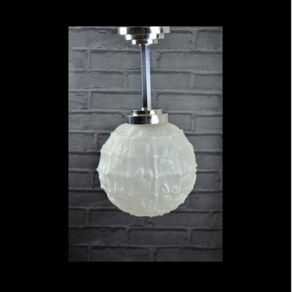 large Verlys les Hanots art deco globe light in chrome glass 9 frosted glass shade 1930 Les Hanots frosted glass 6