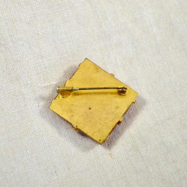 red bakelite bee brooch 1930s 1 (1)