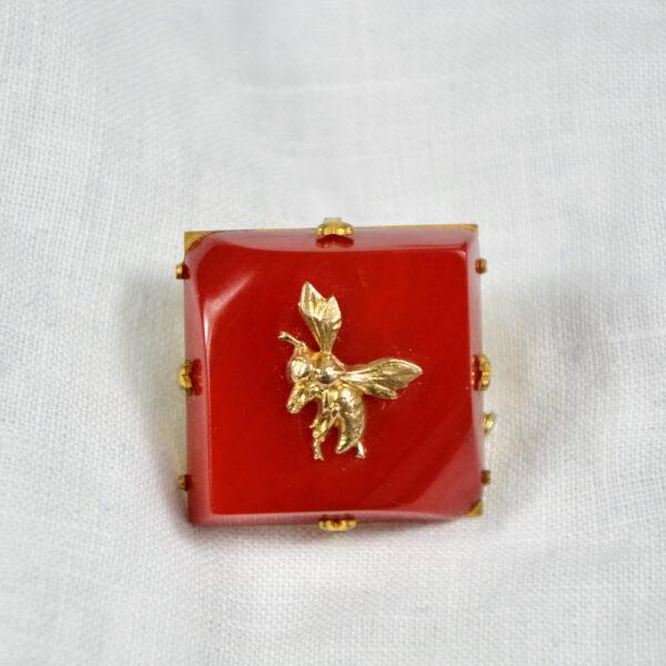 red bakelite bee brooch 1930s