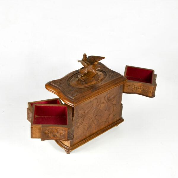 Antique Black Forest jewellery box, c1890-1920 (1)