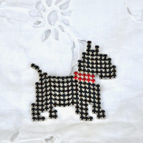 Vintage Dorothy Bauer scottie dog brooch pin rhinestone